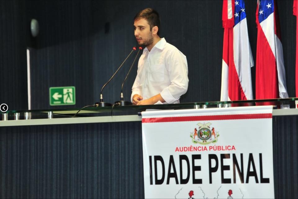 O idealizador do projeto, Iago Rodrigues, durante explanação em Manaus (Foto: Arquivo Pessoal)