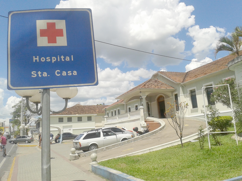 A Santa Casa de Aparecida, mais uma unidade na região afetada perla série crise da saúde; funcionários cobram benefícios atrasados (Foto: Arquivo Atos)