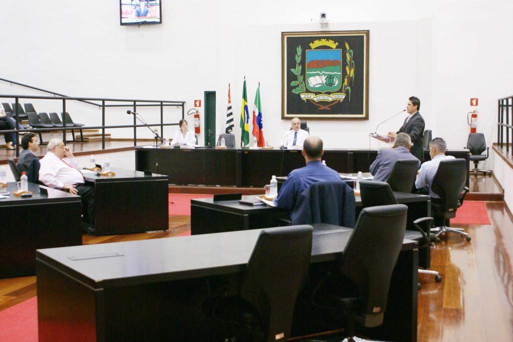 Vereadores discutem projetos em sessão ordinária da Câmara; economia neste ano pode ter engessado o Legislativo (Assessoria /CMP)