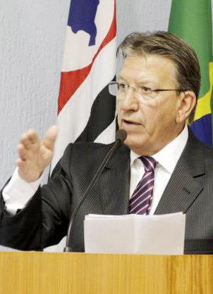 O vereador Marcelo Meirelles (PSDB), que diante da notificação do Tribunal, justificou que as devoluções ocorrem todos os anos (Atos Redação)