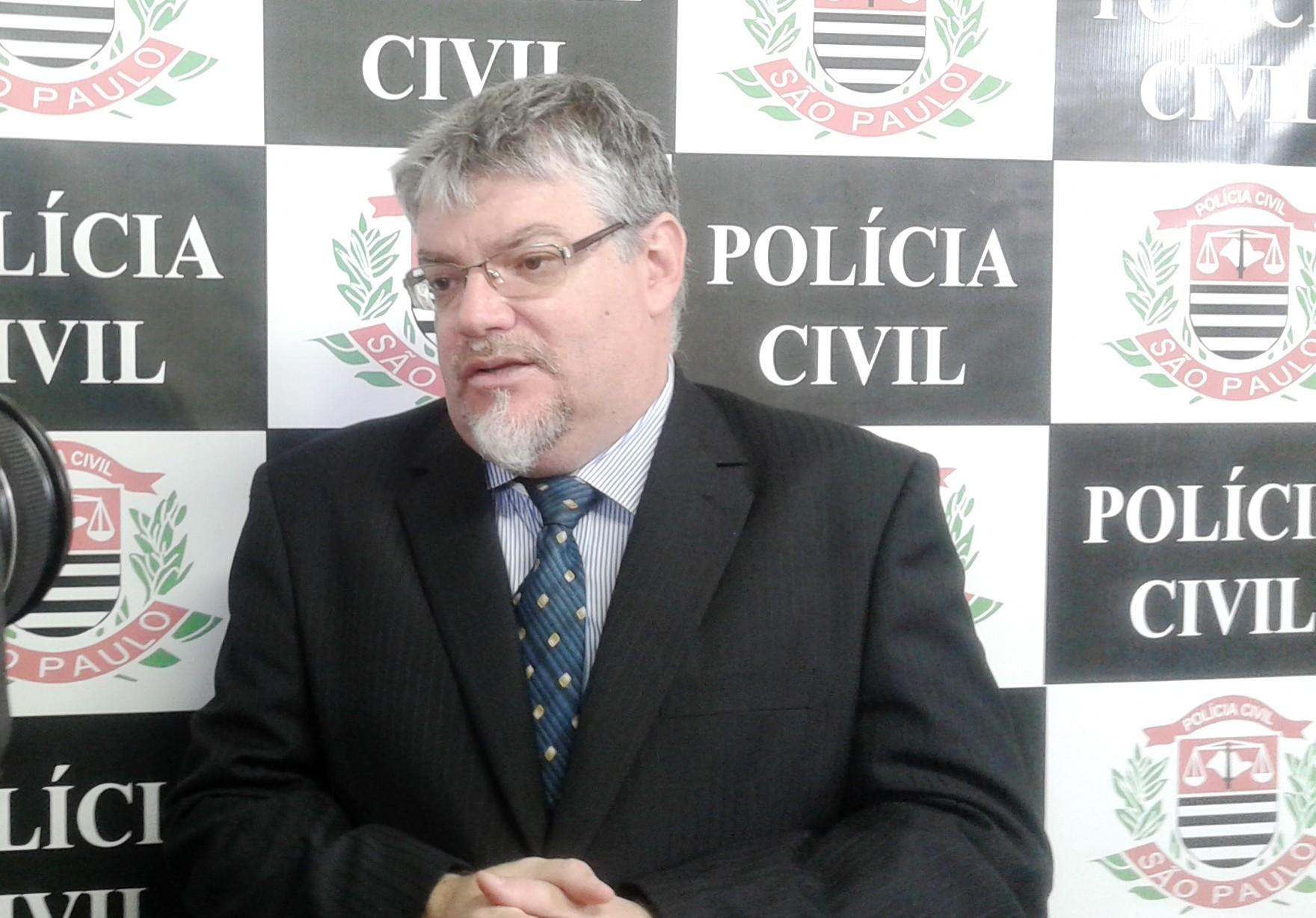 O delegado Vicente Lagioto suspeita que em nova modalidade de golpe, bandidos tenham feito outras vítimas em Pindamonhangaba (Atos Redação)