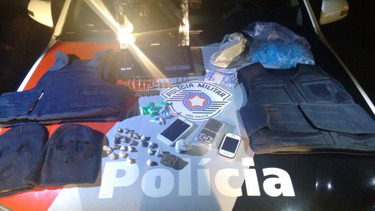 Material apreendido durante operação da polícia no bairro Tamandaré em Guará (Divulgação / PM)