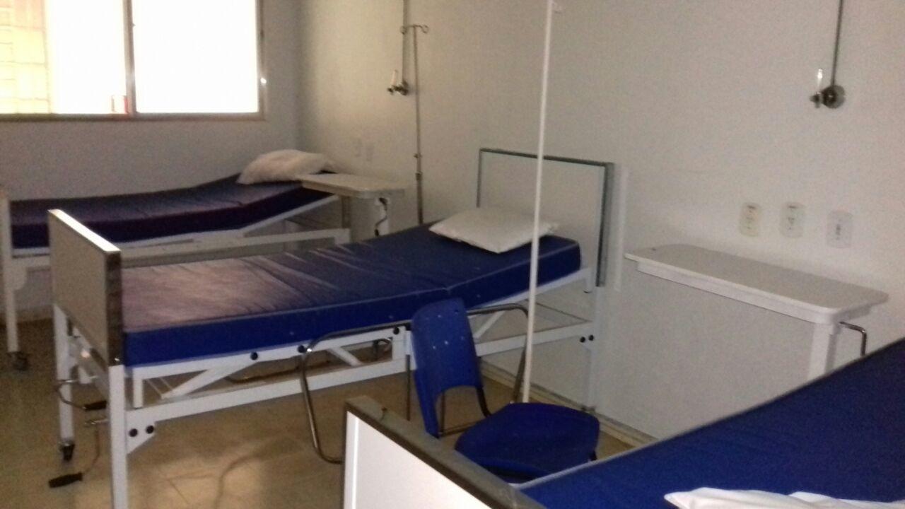 Área interna da Santa Casa com leitos a espera de pacientes; prestes a ser reativado, setor de internação está interditado há um ano (Foto: Arquivo Atos)