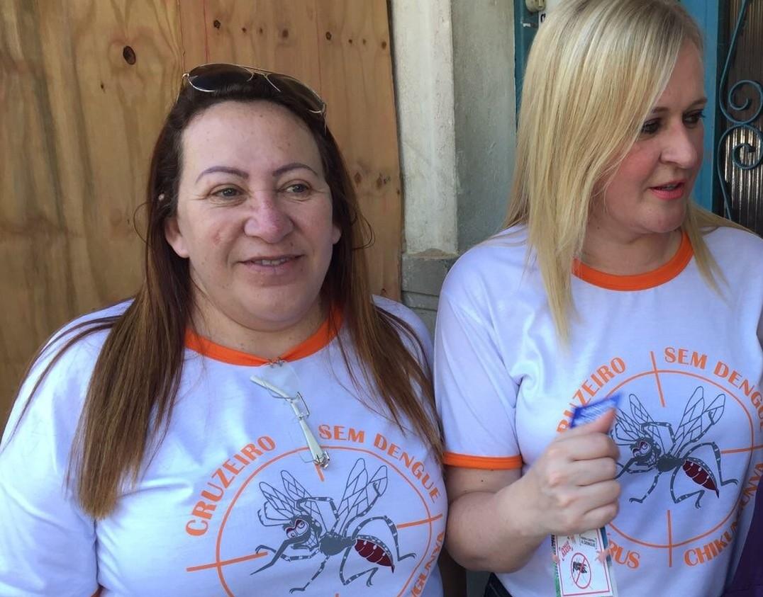 A prefeita Ana Karin (à direita), que terá que buscar um novo nome para substituir Ana Inês Costa, em meio à crise da Saúde de Cruzeiro (Foto: Reprodução)