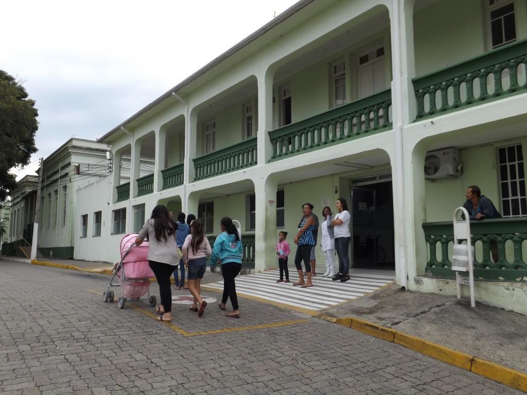 A Santa Casa de Cachoeira, foco da crise que afeta a saúde municipal; funcionários seguem sem salários (Foto: Arquivo Atos)