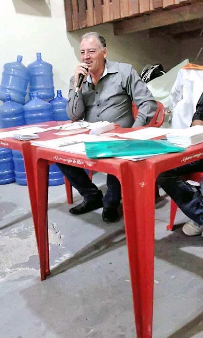 O candidato à prefeito de Potim, Carlinhos Zaga, que pode perder a candidatura por ser irmão de prefeito morto (Foto: Reprodução)