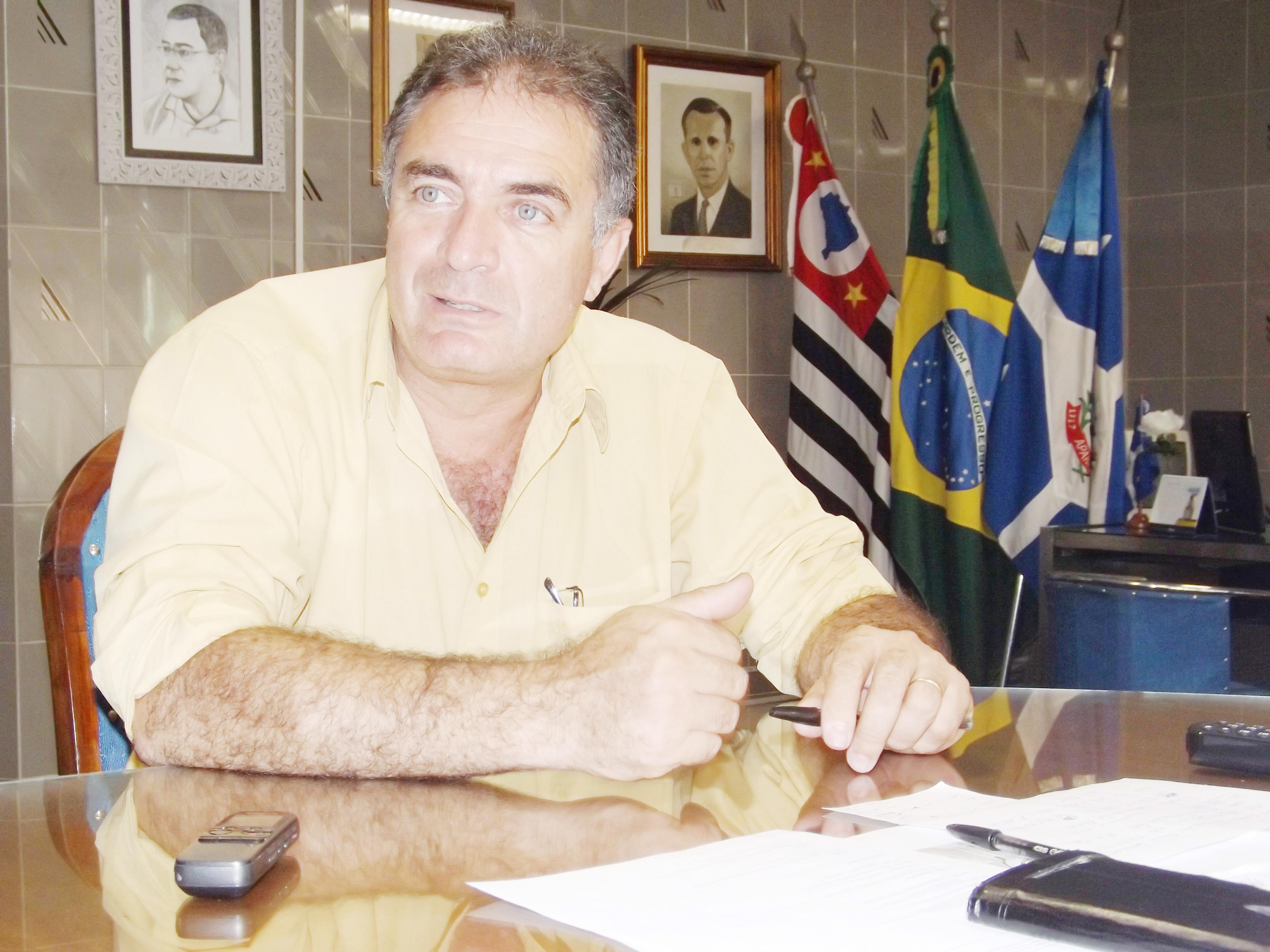 O candidato a prefeito de Aparecida pelo PMDB, Sargento Ernaldo Marcondes, que enfrenta ação judicial (Foto: Arquivo Atos)