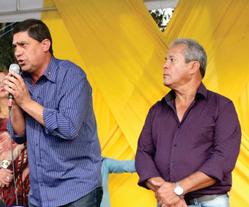 O candidato a prefeito de Cachoeira Paulista, Edson Mota (à esquerda),  acusado de compra de votos (Foto: Reprodução)