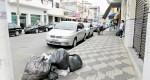 Famílias protestam por falta de coleta de lixo e má qualidade da água em Cruzeiro