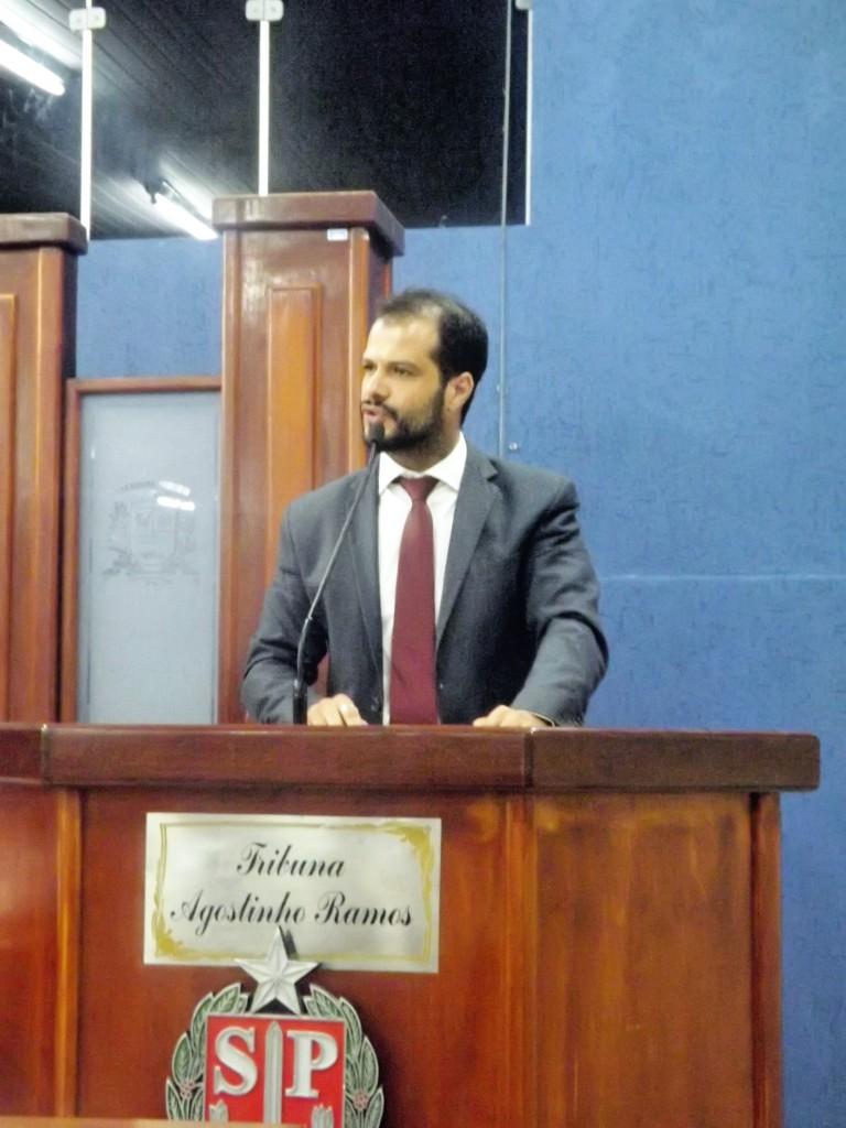 O vereador Claudio Gaspar, autor do projeto que pede redução na Câmara de Cachoeira Paulista (Foto: Arquivo Atos)