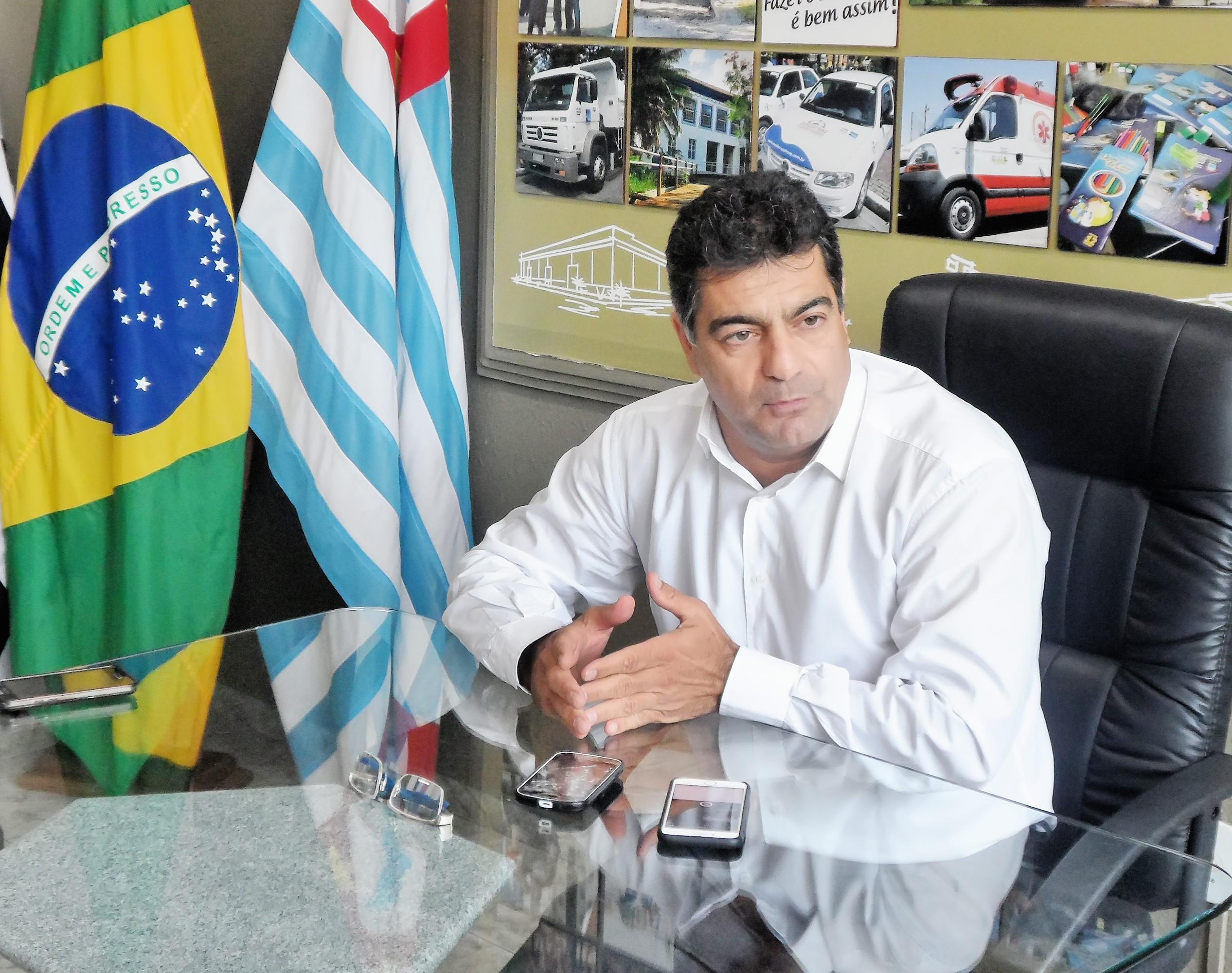 """Rafic Simão """"assumiu sem assumir"""" Prefeitura a um mês do fim de mandato; crise impera na cidade (Foto: Maria Fernanda Rezende)"""