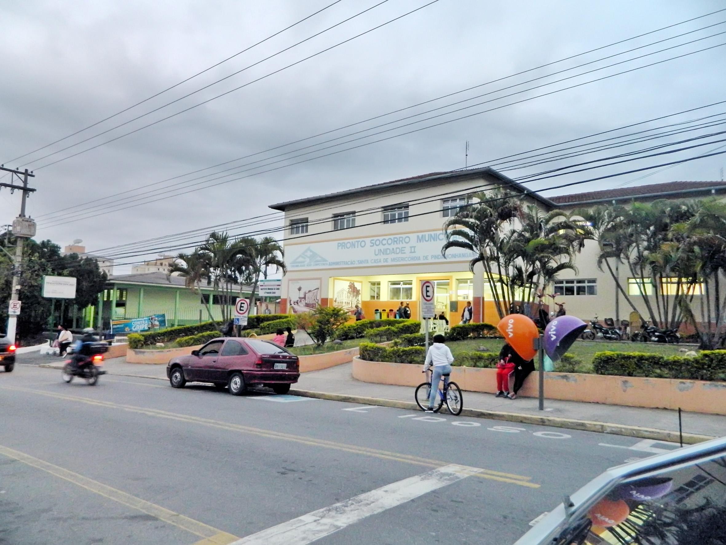 A frente da Santa Casa em Pindamonhangaba, uma das unidades atendidas por investimento de R$ 1,880 milhão do Governo do Estado (Foto: Arquivo Atos)