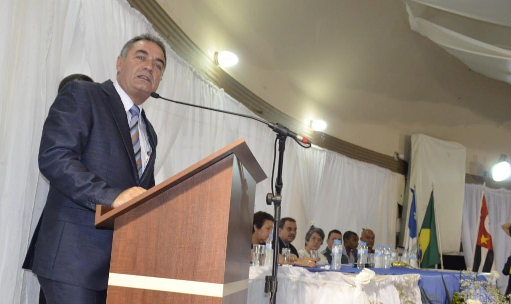 Ernaldo Marcondes, que assumiu a Prefeitura de aparecida no dia 1; peemedebista assumiu o cargo durante cinco afastamentos de Siqueira (Foto: Leandro Oliveira)