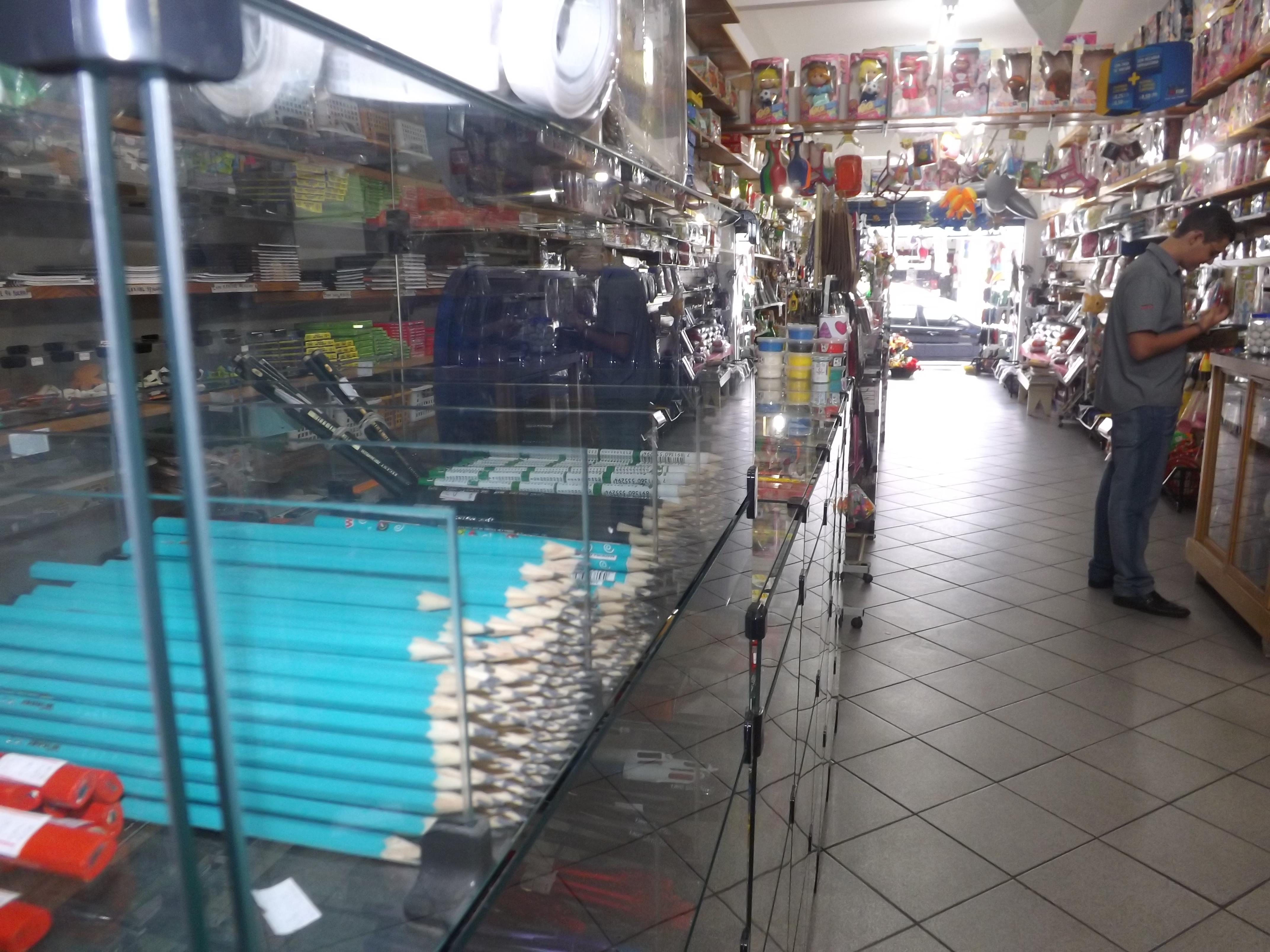 O debate sobre os kits escolares levantaram nova polêmica na Prefeitura de Pindamonhangaba; secretário encontrou 12 mil kits comprados pela gestão anterior (Foto: Arquivo Atos)