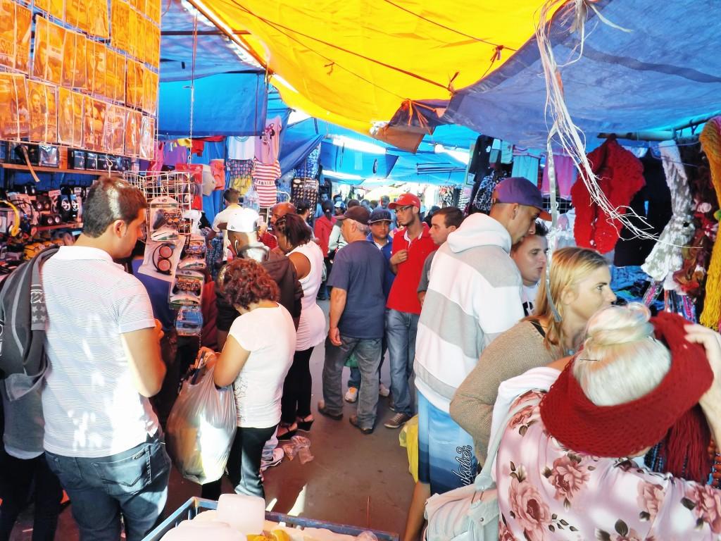 Feira Livre em Aparecida; dificuldades com falta de estrutura é principal reclamação entre feirantes (Foto: Arquivo Atos)