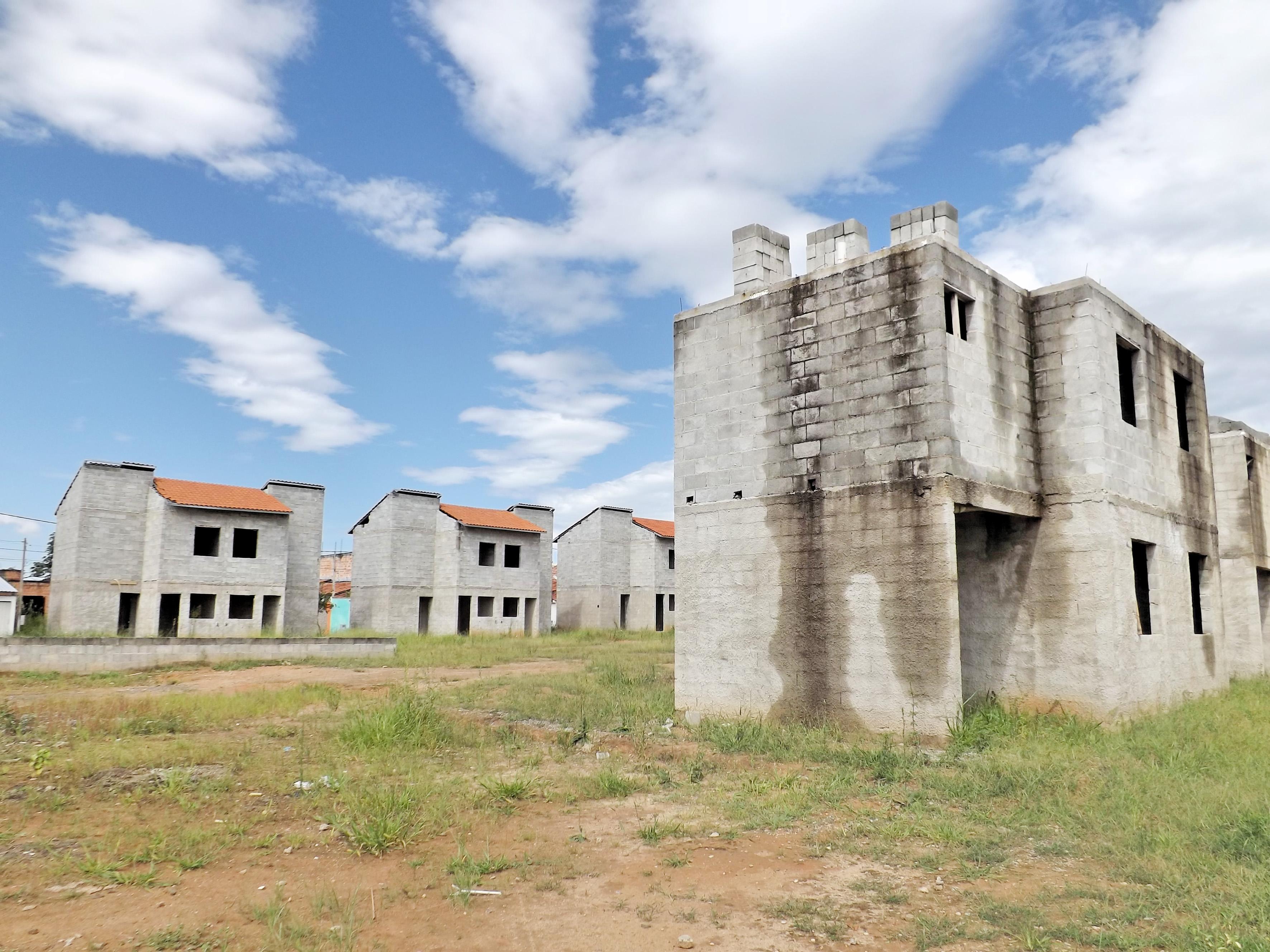 Prédio do CDHU, uma das modalidades mais utilizadas para criação de conjuntos habitacionais na região (Foto: Arquivo Atos)