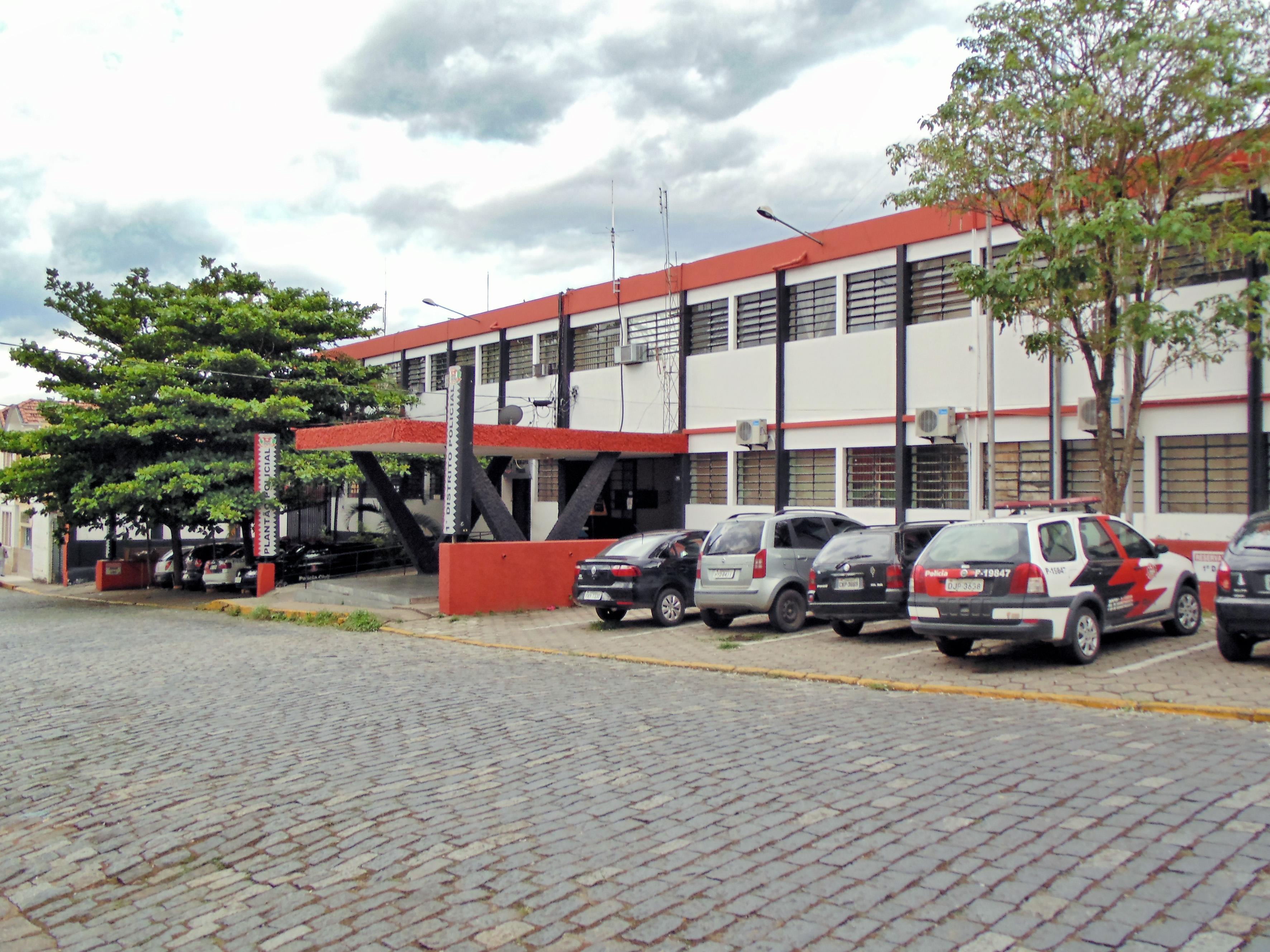 O prédio da Delegacia de Guaratinguetá; setor desativado foi solicitado por Marcus Soliva para implantação de novo Pronto Socorro (Foto: Arquivo Atos)