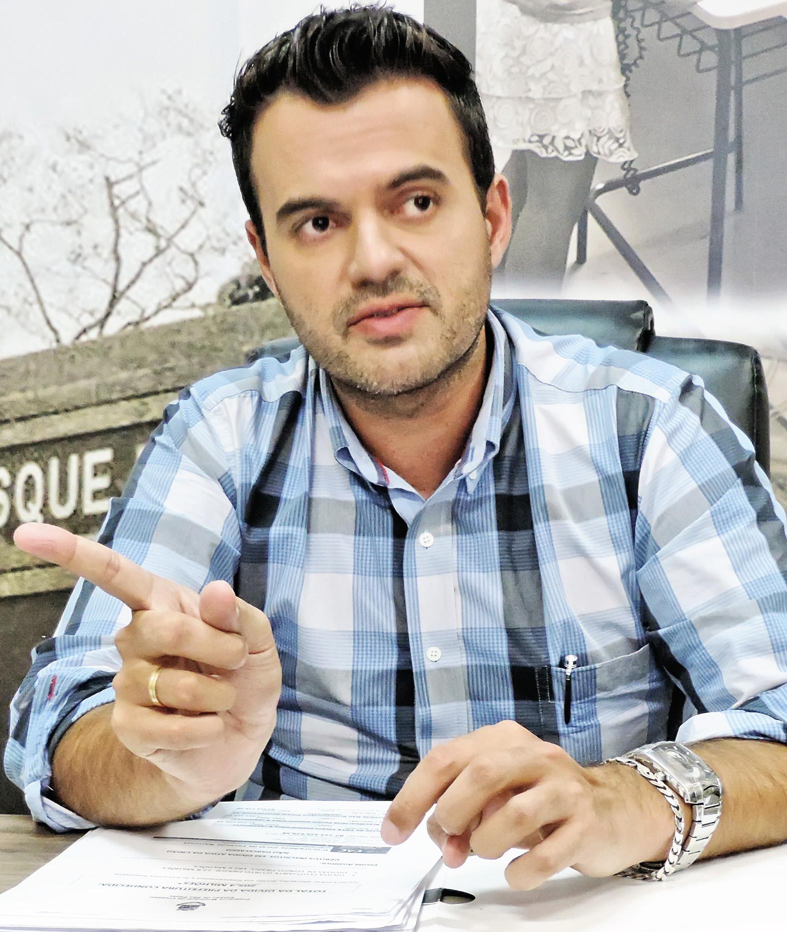 O prefeito Thales Gabriel, que recebeu boas notícias do Codivap (Foto: Arquivo Atos)