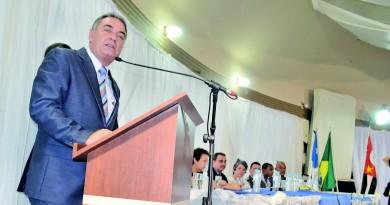 O prefeito de Aparecida Ernaldo Marcondes, que rebateu denúncias de irregularidades na compra de materiais para Educação (Foto: Arquivo Atos)