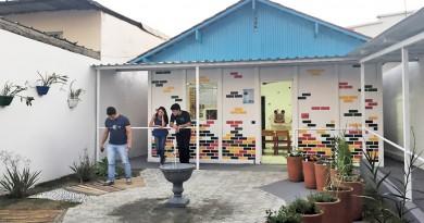 Estudantes do terceiro e quarto anos de Arquitetura e Urbanismo da Unifatea em espaço recuperado de entidade; proposta chega à asilo (Foto: Divulgação)
