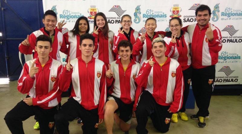 Equipe de tênis de mesa de Lorena, medalhista de ouro nos Regionais; vaga garantida nos Jogos Abertos (Foto: Reprodução)