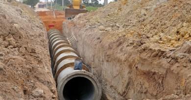 Uma das etapas das obras de drenagem nas ruas do Cidade Industrial; investimento de R$ 1,5 milhão (Foto: Arquivo Atos)