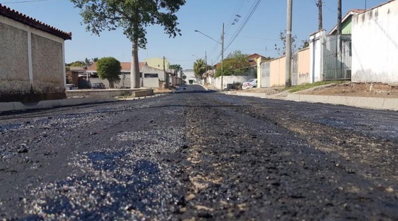 Rua que recebe pavimentação na Vila Bela; trabalho colocado em prática pela equipe do Codesg atende bairro após anos de espera (Foto: Divulgação)