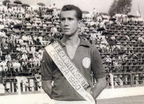 O zagueiro Tupi, ídolo da Esportiva de Guaratinguetá no título de 1960 (Foto: Arquivo Pessoal)