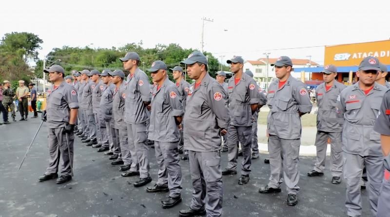 Bombeiros que fazem parte do agrupamento de Lorena; cidade extinguiu tarifa antecipando decisão do STF (Foto: Arquivo Atos)
