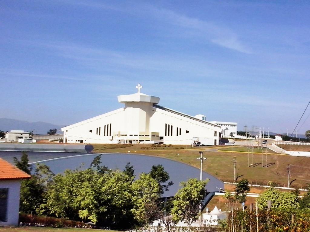 O Santuário do Pai das Misericórdias, um dos destaques da estrutura da Canção Nova, em Cachoeira (Foto: Reprodução)