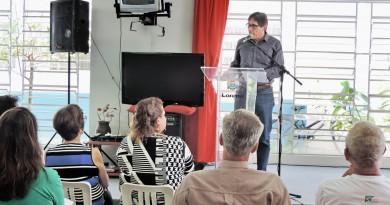 O prefeito Fábio Marcondes fala durante evento que anunciou aporte financeiro a entidades de Lorena (Foto: Lucas Barbosa)