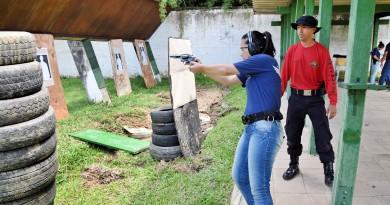 Guarda civil municipal participa de treinamento em Lorena; preparação foca início de combate armado, a partir desta semana, na cidade (Foto: Divulgação)