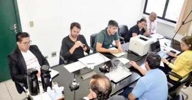 Uma das oitivas realizadas na Câmara de Pinda, durante investigação sobre o IPTU complementar (Foto: Reprodução)