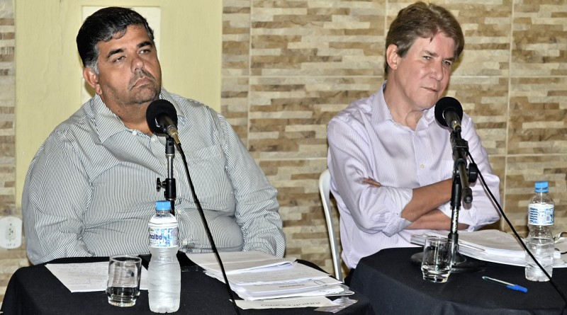 Os ex-prefeitos Junior Filippo e Francisco Carlos; um comprou e o outro não entregou os tablets que reforçariam as aulas nas escolas de Guará (Fotos: Arquivos Atos)