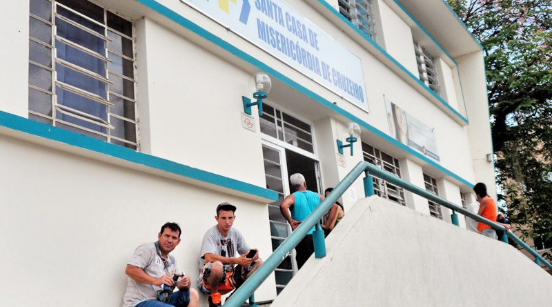 Principal acesso à Santa Casa de Cruzeiro; ainda sob dificuldades, hospital segue com intervenção (Foto: Arquivo Atos)