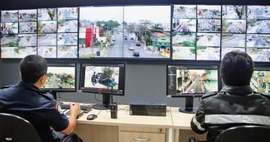 Central de videomonitoramento de Pindaa; cidade amplia sistema de fiscalização (Foto: Divulgação)