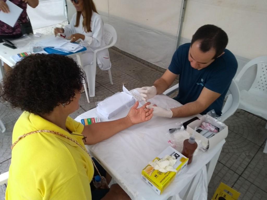 """Moradores participam da campanha """"Procurando C""""; equipe realizou 242 testes em Lorena (Foto: Divulgação)"""