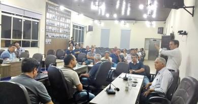 Audiência pública que debateu transporte de Cruzeiro contou com baixa participação de moradores (Foto: Rafael Rodrigues)