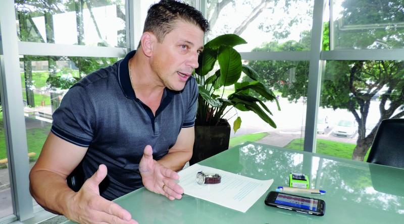 O prefeito Isael Domingues que ..........(Foto: Arquivo Atos)