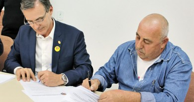 Reunião em 2017, quando Marcus Soliva e Eduardo Ayres chegaram a rápido acordo por reajuste salarial (Foto: Arquivo Atos)