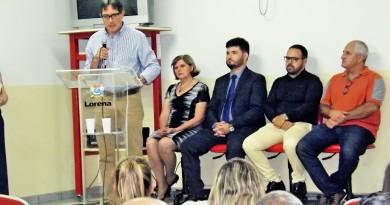 O prefeito Fábio Marcondes durante cerimônia de entrega do polo de Lorena; Univesp inaugura 12 polos na região (Foto: Lucas Barbosa)