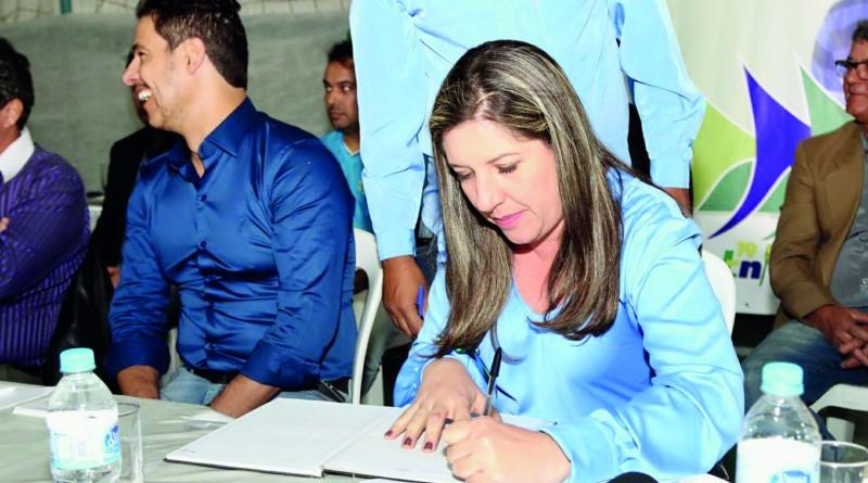 A prefeitura Érica Soler que aguarda votação dos projetos na Câmara de Potim (Foto: Arquivo Atos)