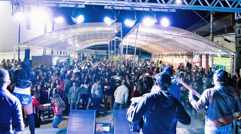 Show do Festival do Pinhão, que conta com série de atrações a partir do dia 20, no Centro de Cunha (Foto: Divulgação)