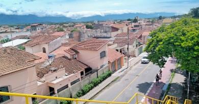 Vista de trecho da Vila Nunes, em Lorena; cidade anuncia isenção de dívidas municipais para contribuintes em impostos como o IPTU (Foto: Arquivo Atos)