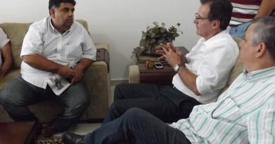 Responsável pelo lançamento do Flamboyant, Junior Felippo, ao lado do prefeito Marcus Soliva que entregará o residencial em junho (Foto: Arquivo Atos)