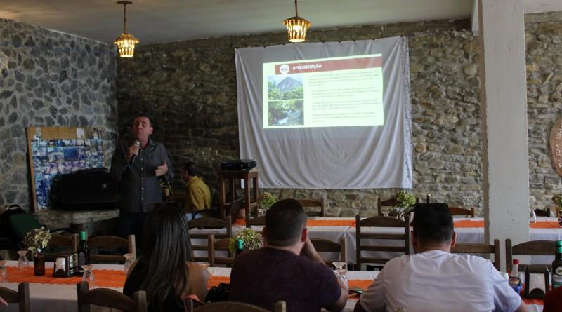 O secretário de Turismo, José Felício durante a apresentação do calendário de eventos do Gomeral (Foto: Divulgação PMG)