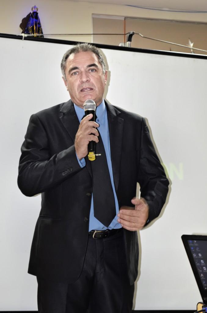O prefeito Ernaldo Marcondes que confirmou cortes, demissões e paralisação nos investimentos de Aparecida (Foto: Arquivo Atos)
