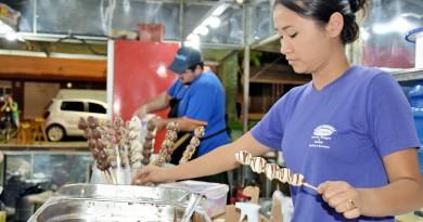 Os doces são uma das atrações da LorenVale; com investimento modesto, festa aposta em programação com  shows e praça de alimentação (Foto: Divulgação)