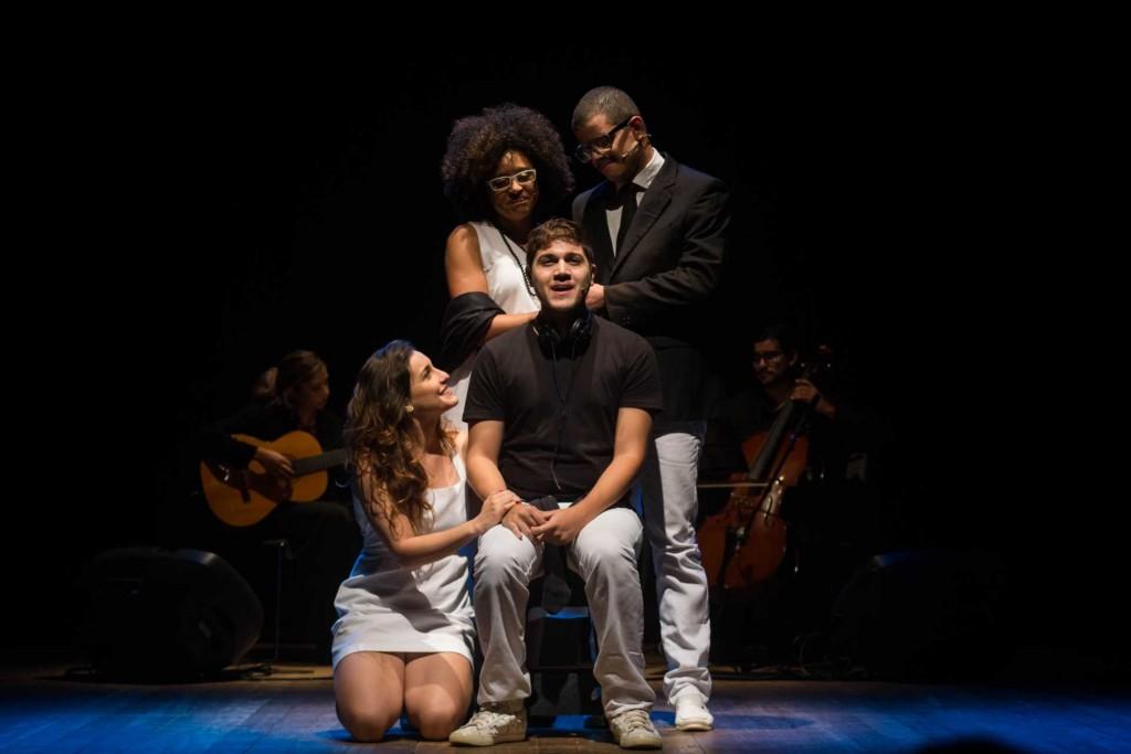 Cena do espetáculo Boa Sorte: O Musical, que terá apresentação no início de junho, no Teatro Teresa D' Ávila; peça aborda vida de soropositivo (Foto: ivulgação)
