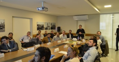 Reunião que propôs criação de um novo consórcio para a microrregião de Guaratinguetá (Foto: Divulgação)
